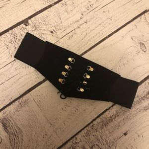 2 for $20❤️👍 Bold black and gold  lace up belt